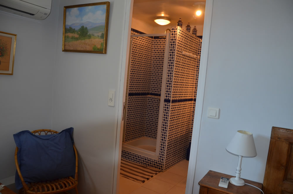 chambre-hotes-luberon-mallemort-interieur-et-exterieur (1)